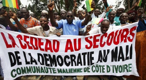 Mali : 36 morts dont 8 soldats dans les affrontements entre militaires maliens et rebelles touaregs à Kidal