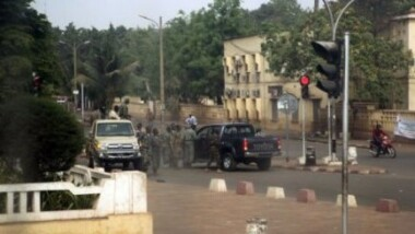 Mali : contre-offensive de l'armée avec des avions des pays amis