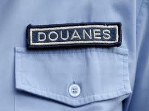 Tiné : Un chef de bureau de Douane nouvellement affecté se fait tabassé par son prédécesseur