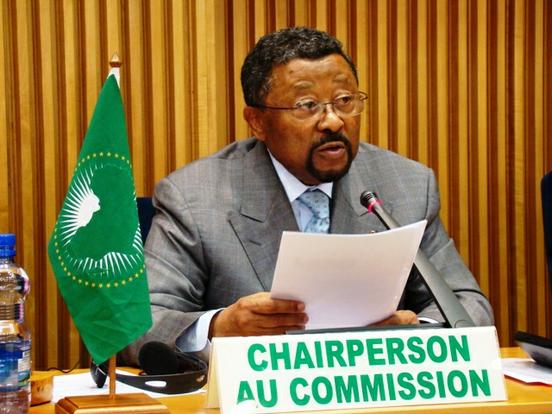 Gabon : Jean Ping annonce sa victoire à l'élection et attend la confirmation des institutions