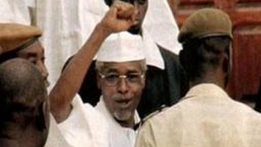 """Tchad: """"indices graves"""" contre l'ex-président Habré arrêté à Dakar"""