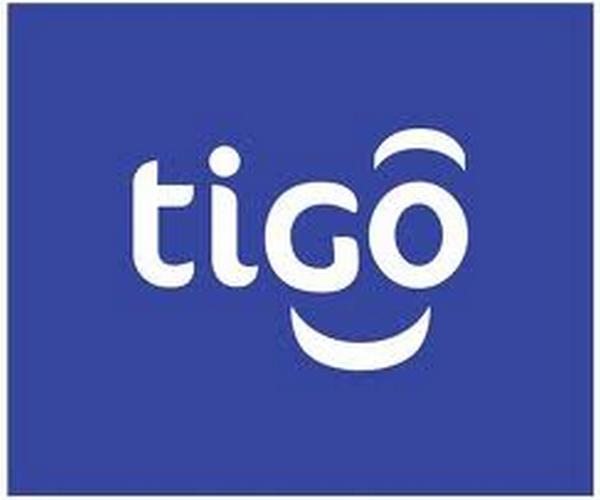 Tigo forme le personnel de la Maison de la femme en informatique