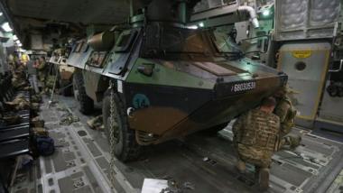 Mali : une trentaine de blindés français quittent Bamako pour le Nord