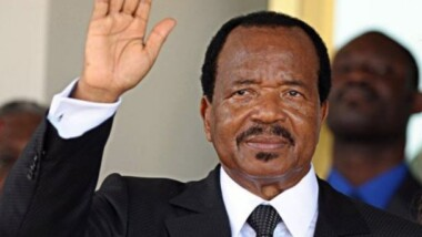 Paul Biya se bat pour une visite en France