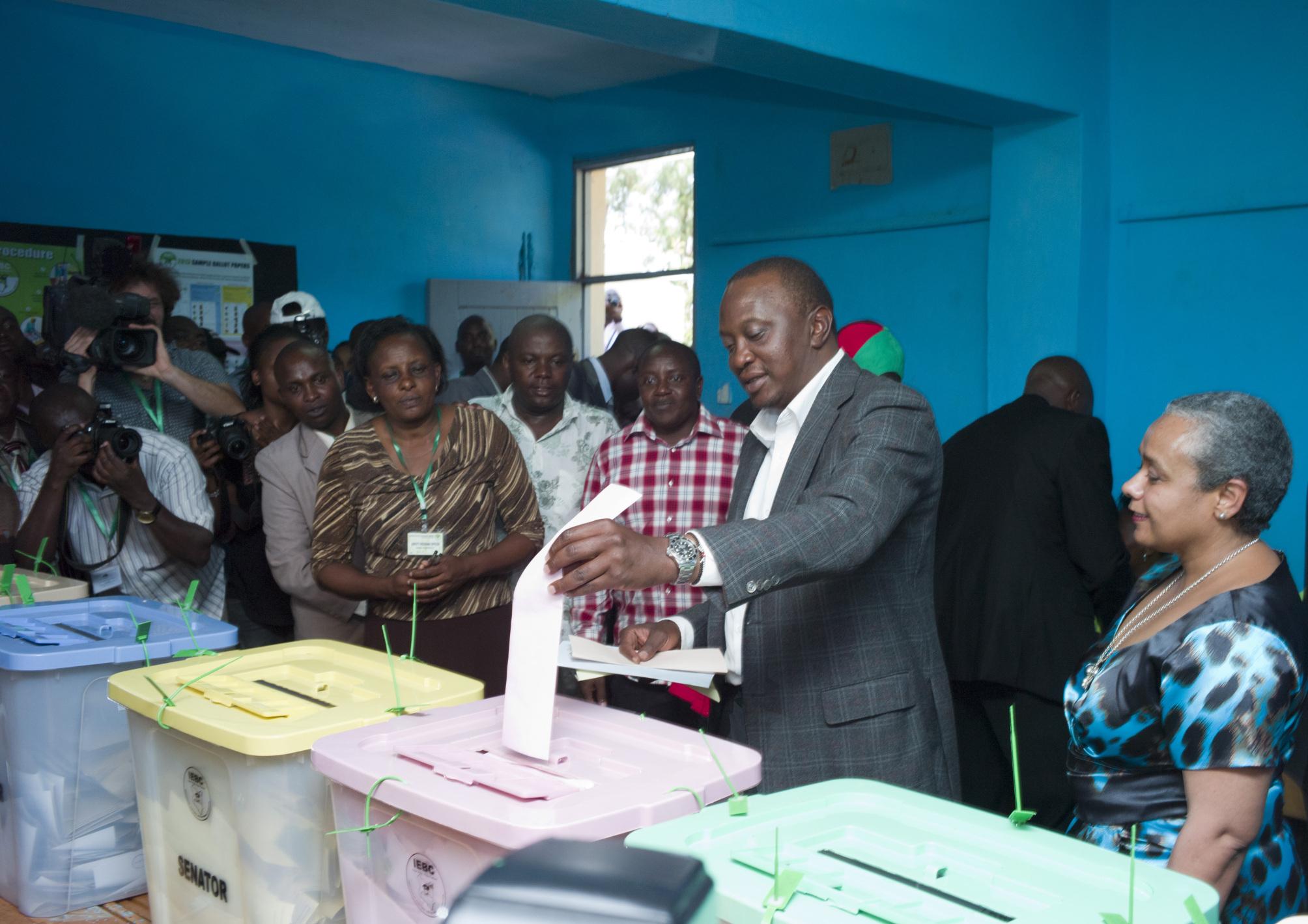Kenya : Odinga reconnaît la victoire de Kenyatta