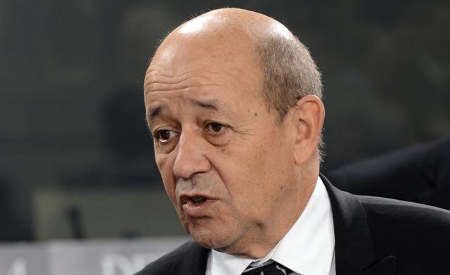 Tchad le ministre fran ais de la d fense re u par le for Ministre francais
