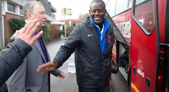 Le défenseur et ancien capitaine des SAO Oumar Abakar prend sa retraite et se prépare à être entraîneur