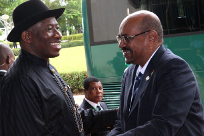 La CPI demande au Nigéria d'arrêter le président soudanais, en visite à Abuja