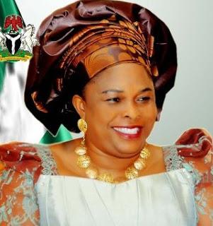 """UIT: la Première Dame du Nigéria désignée """"championne de la protection de l'enfant en ligne"""""""