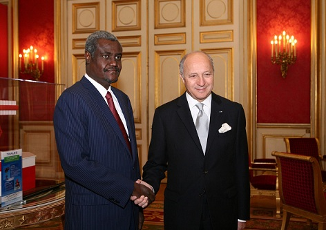 Le président et le ministre des Affaires étrangères tchadiens se sont entretenu avec Laurent Fabius