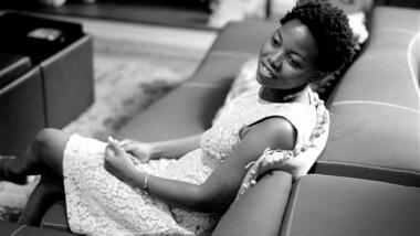 Culture: NoViolet Bulawayo est la 1ere femme africaine noire à figurer parmi les finalistes du Man Booker Prize