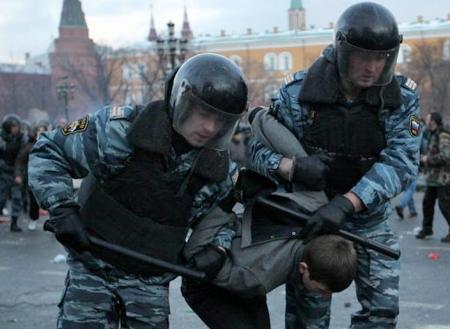 Émeutes xénophobes à Moscou : plus de 380 arrestations