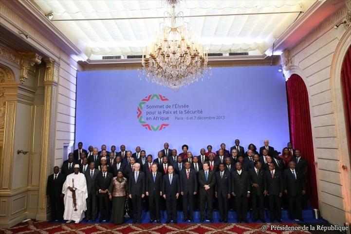 """Sommet de l'Elysée : la France invite l'Afrique à """"assurer elle-même sa sécurité"""""""