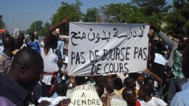 Arriérés de bourses: Les étudiants lancent un ultimatum de 3 jours au gouvernement