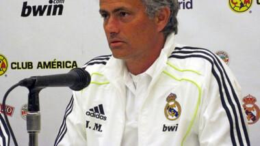Le PAM nomme l'entraîneur de foot José Mourinho ambassadeur contre la faim