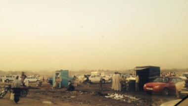 """N'Djamena : les réparateurs et vendeurs de véhicules de Grédia """"Champ fil"""" sont priés de vider les lieux"""