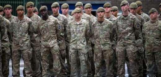La Grande-Bretagne va déployer 750 soldats en Afrique de l'Ouest pour lutter contre Ebola