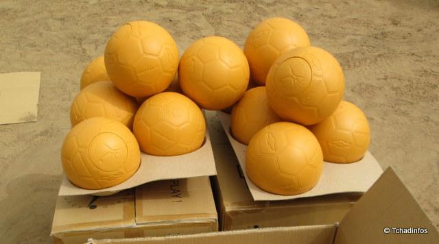 ONE WORLD FUTBOL PROJECT offre 36 000 ballons à la fédération tchadienne de football