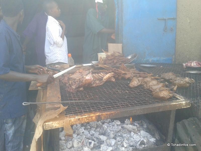 Les N'Djamenois, friands de la viande grillée