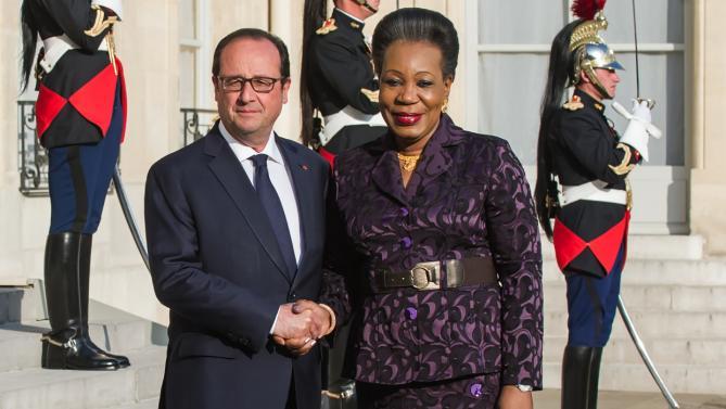 La présidente de la transition centrafricaine reçue par le président français