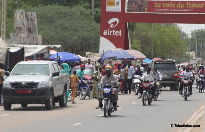 BAC 2015 : des vendeurs spontanés perturbent la circulation devant les centres d'examen