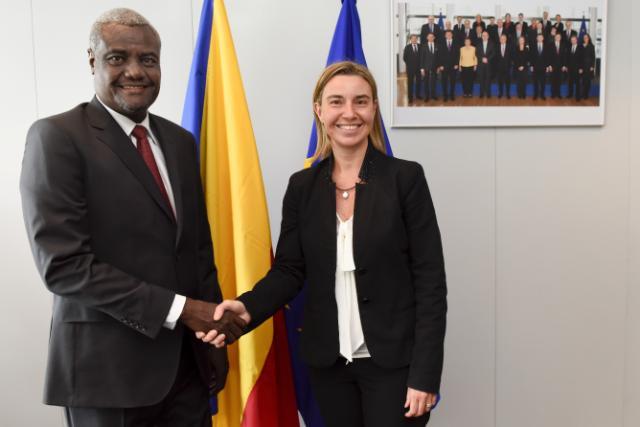 """""""L'aide au développement de l'UE est essentielle pour gérer des défis communs au Sahel"""" Mogherini"""