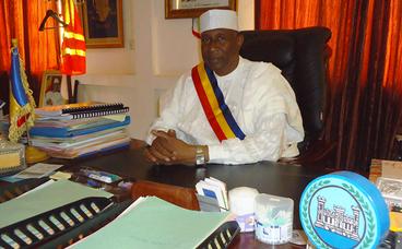 Le Maire de N'Djamena demande aux transporteurs de ne pas prendre les gens en Burqua