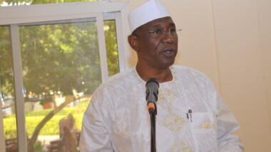 N'Djamena: le Maire de la ville interdit la mendicité et restreint l'ouverture des bars