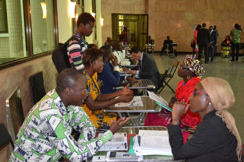 Forum des compétences et de l'emploi : une vingtaine de jeunes défendent leurs projets d'entreprises