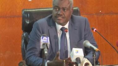 Le ministre Moussa Faki Mahamat face à la presse
