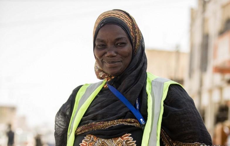 Human of N'Djamena : Mme Aïcha, une femme balayeuse et battante