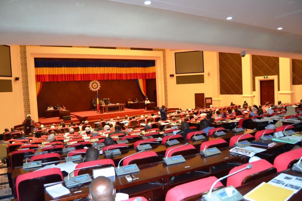 Les députés du MPS et leurs alliés s'absentent pour empêcher le débat sur la motion de censure