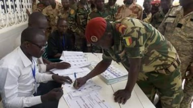 Le Tchad ouvre une enquête sur les cas de morts et disparitions annoncées des militaires