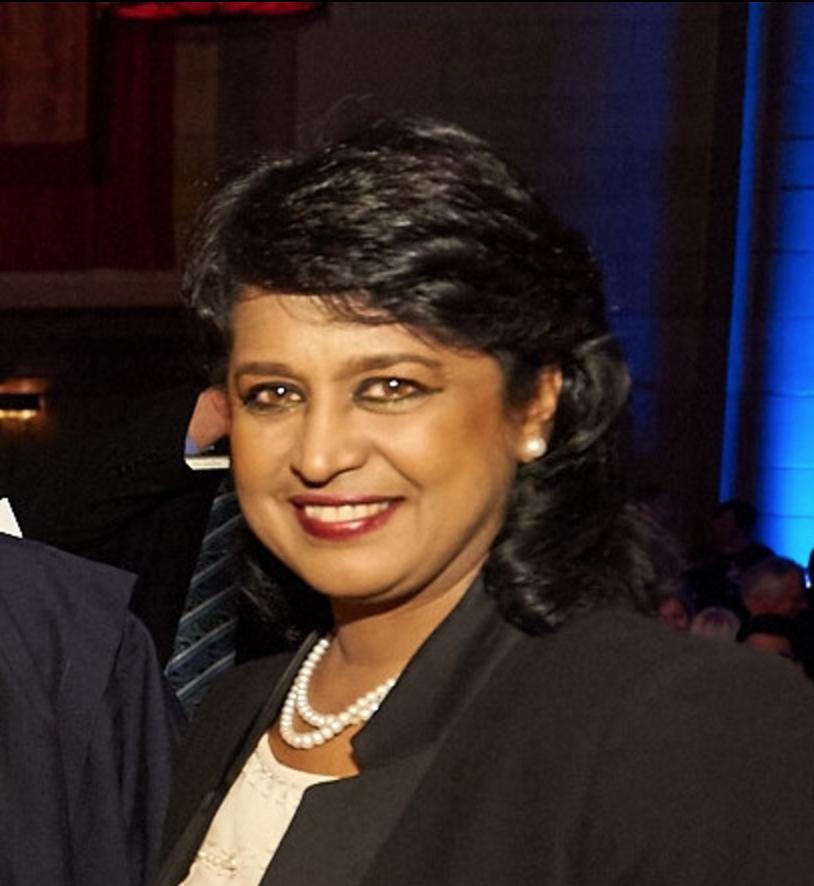 La présidente mauricienne reçoit le Prix de la paix en Afrique 2016 de l'URI
