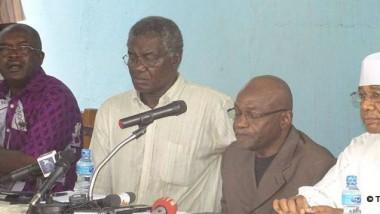 Politique : une conférence de presse de l'opposition empêchée par la police