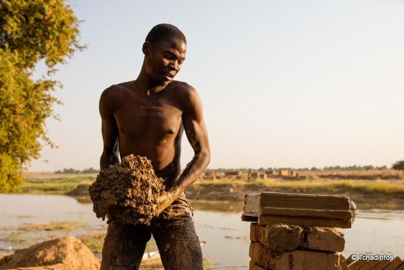 Human of N'Djamena : ALLAGHOM Gatien, « je fais ce travail pour payer mes frais d'inscription »