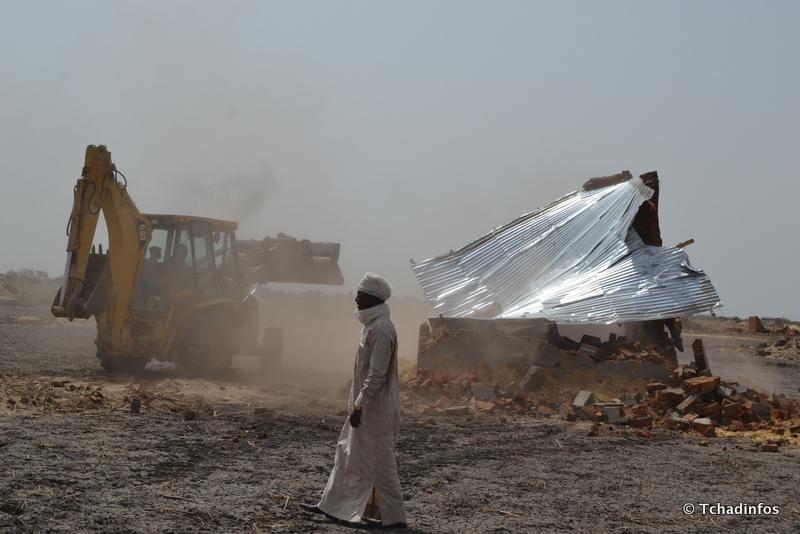 """Des """"logis illégaux"""" rasés dans le 8e arrondissement de N'Djamena"""