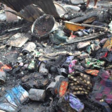 Fait divers : une boutique du Marché à mil part en fumée
