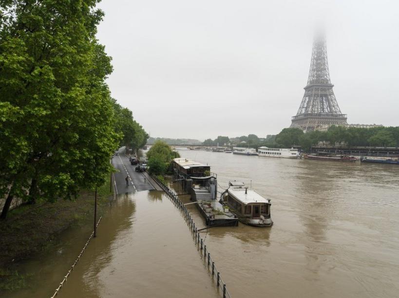 Inondations à Paris, la Seine a grimpé à 4,83 mètres
