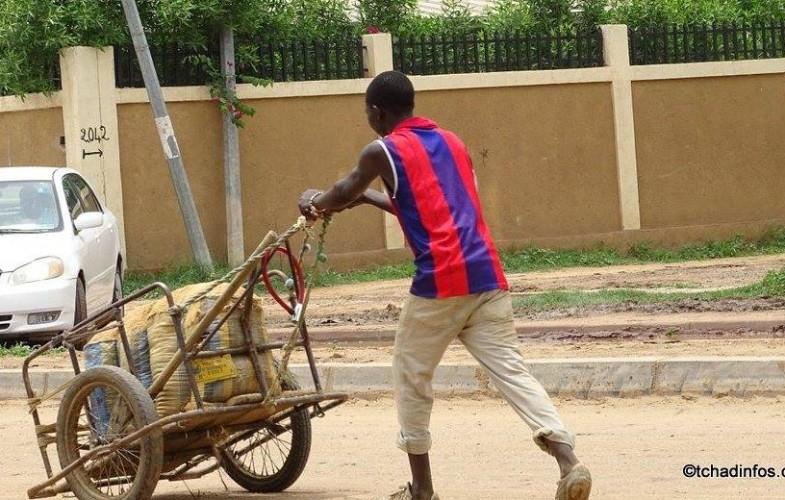 Human of N'Djamena : Ngartoloum, conducteur de pousse-pousse
