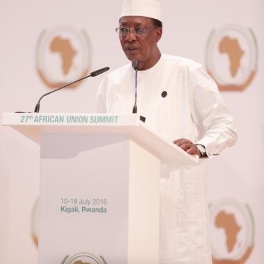 Deby appelle à une plus grande coopération entre l'UA et la Ligue arabe
