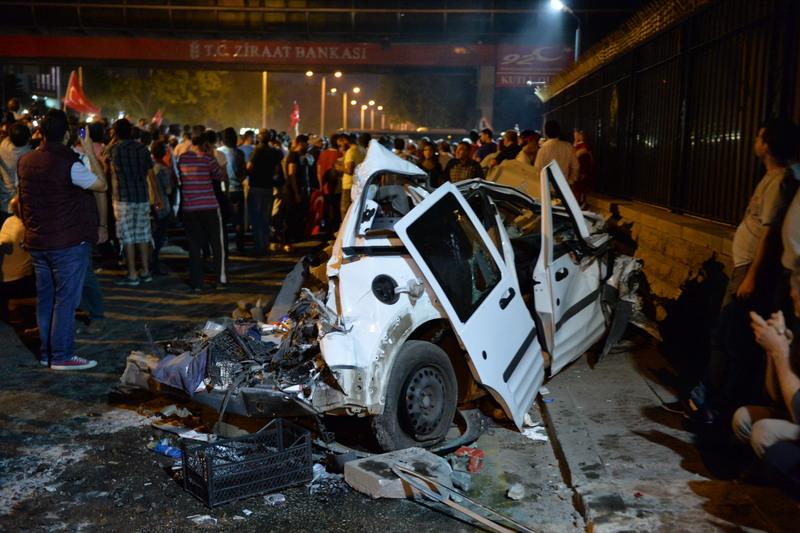 Tentative de coup d'Etat en Turquie : 104 putschistes tués et 1.563 soldats arrêtés