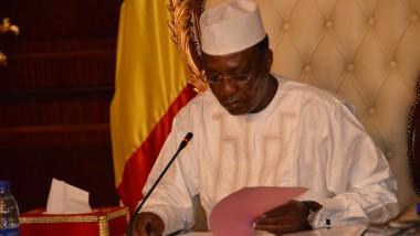 Tchad : le président Déby signe une ordonnance instituant la parité dans les fonctions nominatives et électives