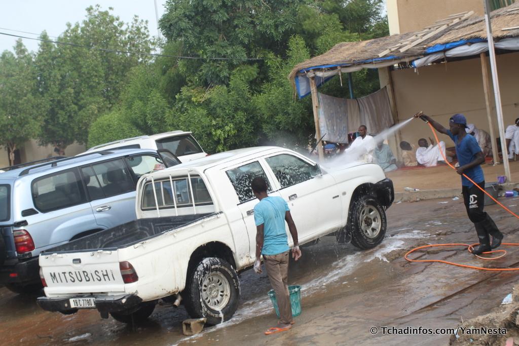 Débrouillardise : les stations de lavage alternatives à l'oisiveté et au chômage