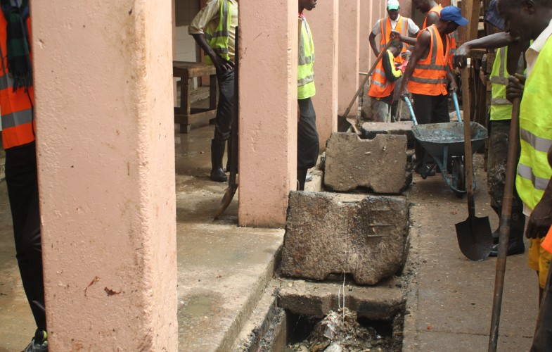 N'Djamena : le marché central nettoyé et pulvérisé