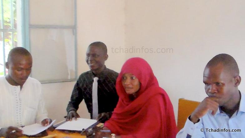 """Tchad : un groupe de jeunes lance le collectif """"ça doit changer"""""""