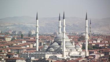 Ankara n'abandonne pas son projet de fermeture des écoles turques dans le monde