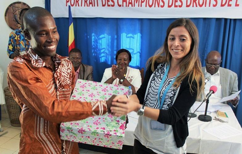 L'UNICEF prime des journalistes au concours «portrait des champions des droits de l'Enfant»