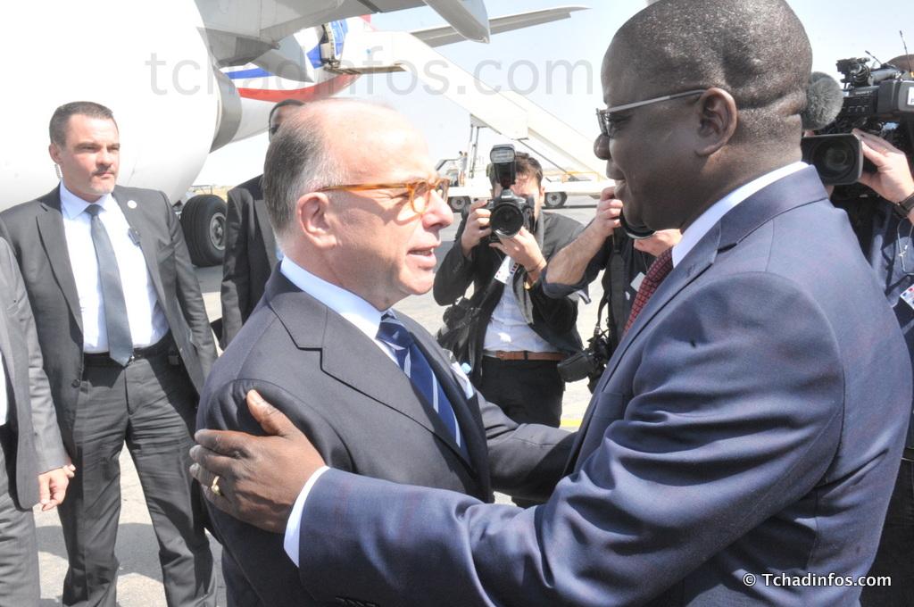 Le premier ministre fran ais bernard cazeneuve est au for Ministre francais