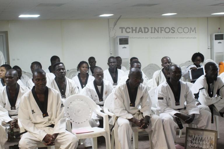 Sport : les entraineurs nationaux de taekwondo apprennent des nouvelles techniques